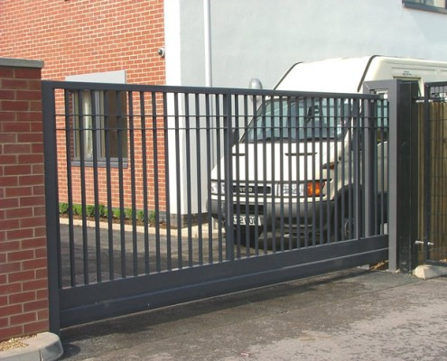Vertical Bar Cantilever Sliding Gate