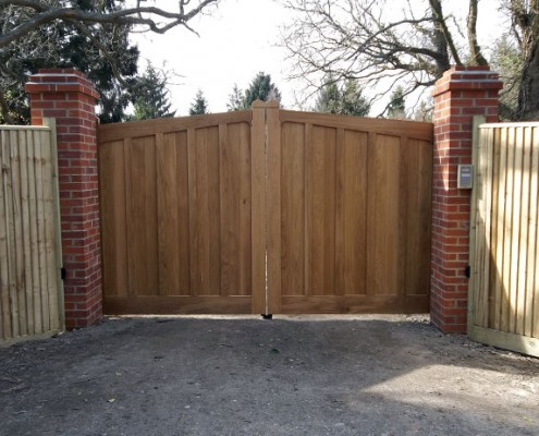 Automated hardwood gates