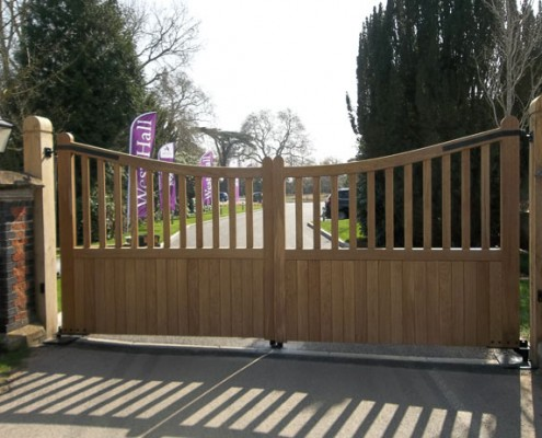 Automated hardwood scalloped winsor gates