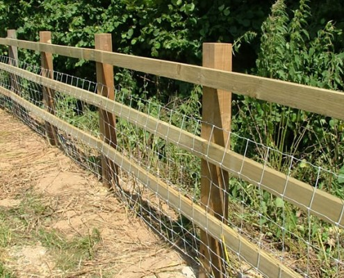 Sawn post and rail fencing