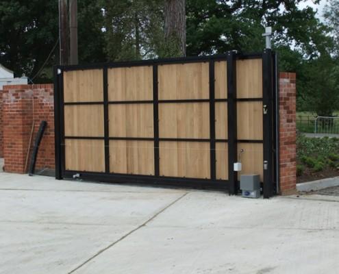 Sliding gate rear view