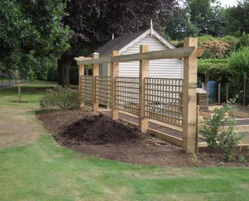trellis fence oak posts